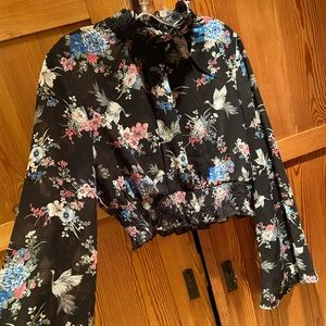 Forever 21 Tops - Floral Print Bell-Sleeve Top L